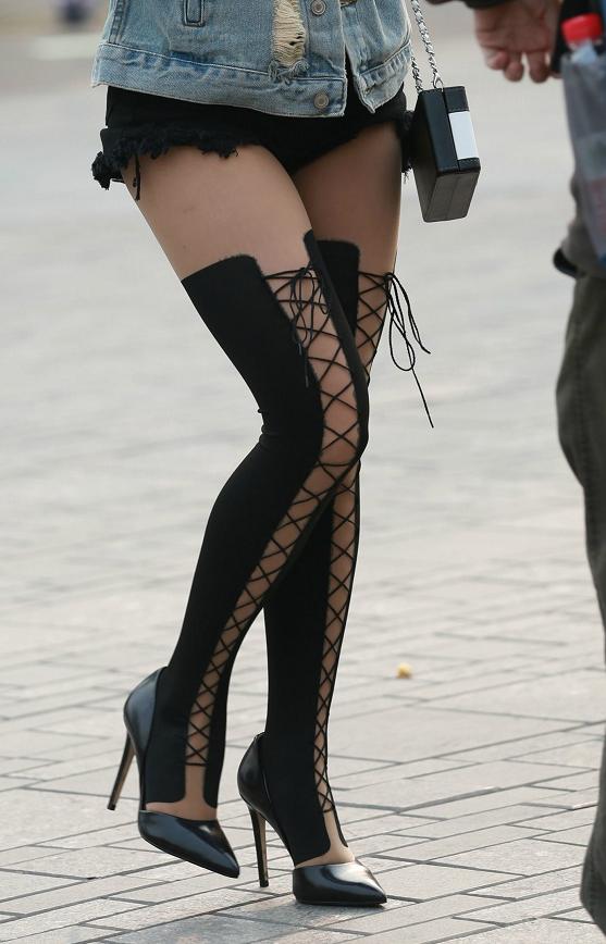 美女这样稍带野性的时尚感,一般人应该hold不住吧?