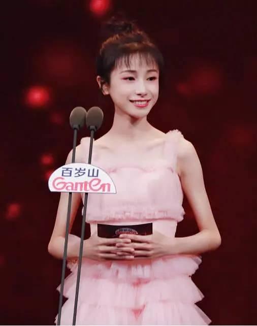 姜梓新为戏暴瘦,瘦出网友胳膊筷子腿,筷子:为运动如何做减肥减肚腩图片