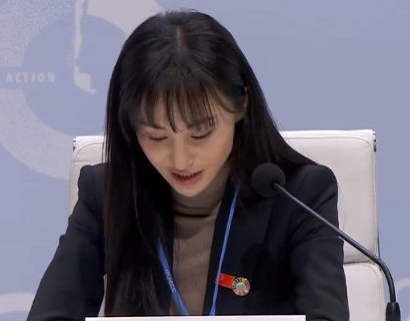 郑爽去联合国演讲,被要求卸妆出镜,当镜头对准鼻子:真实28岁