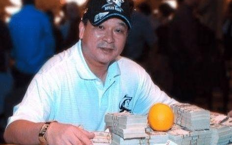 赌神高进的本型,16岁时便横扫赌场,玩牌时喜欢在赌桌上放个橙子