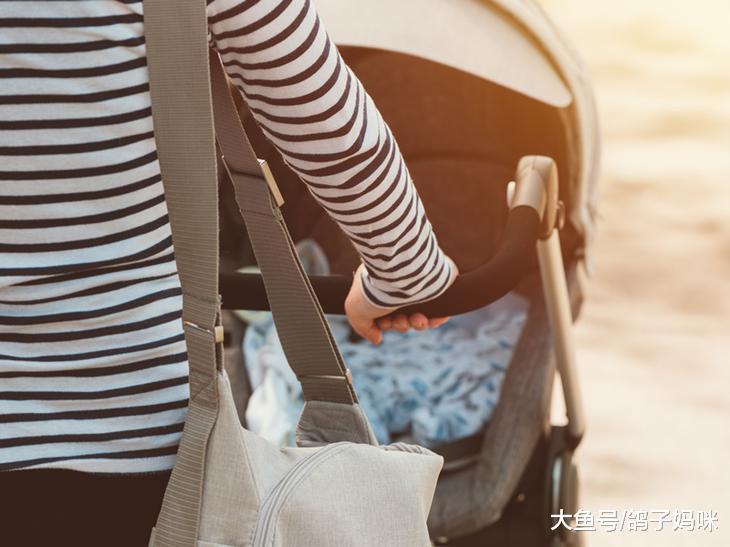 春节走亲访友期间!安全使用手推车