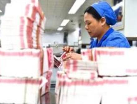 为什么印钞厂工资三千块,却还有很多人愿意做?网友:谁辞职谁傻