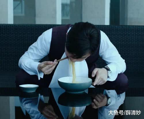 年夜人物:赵泰吃里时,谁注重崔京平易近的饺子有若干个?有非凡的寄义