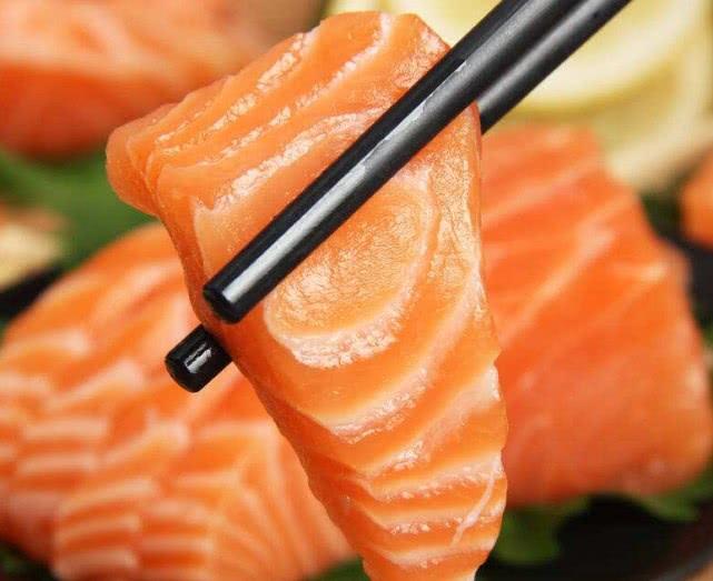 这几种食物有很多寄生虫,但很多人却还是很爱吃,甚至不吃不舒服