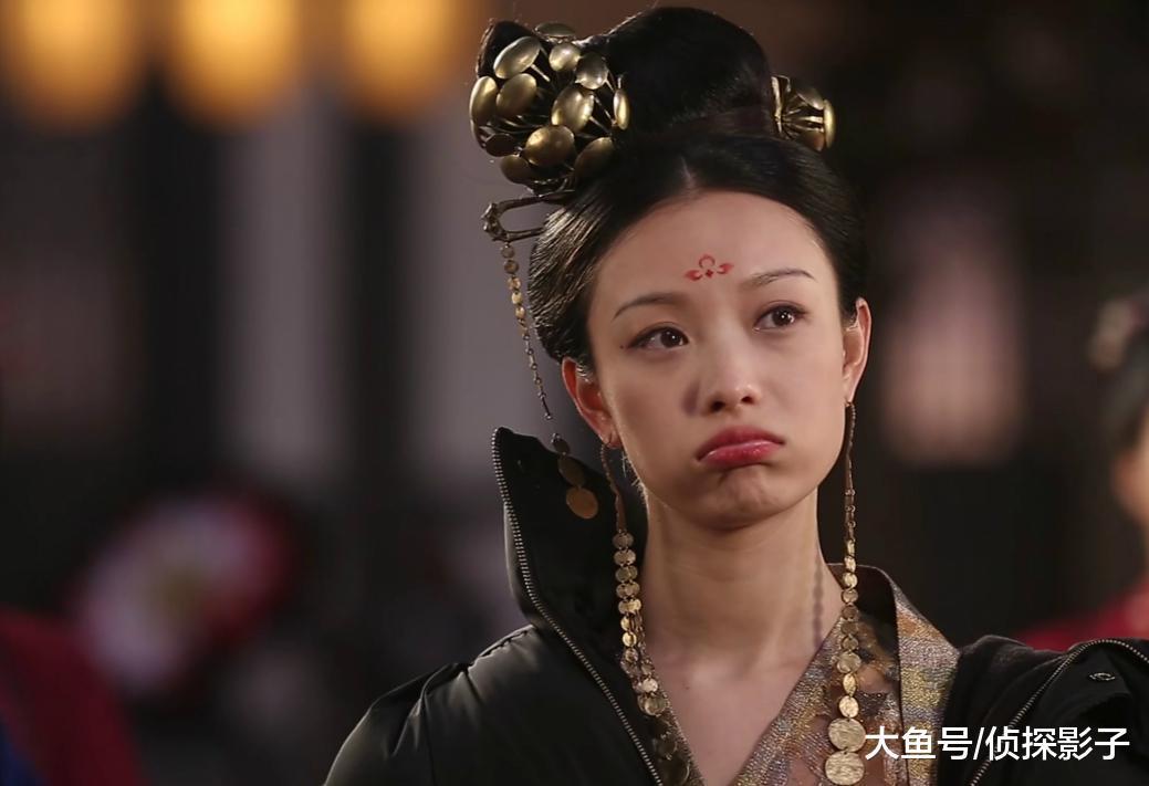 """戴渐变式耳环的古装女子, 妲己像刚兜完风、黄儿似""""海的女儿"""""""