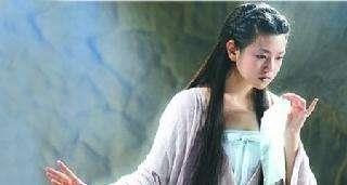 """同样都是小龙女睡绳子,李若彤是仙女,陈妍希却成""""车祸现场""""!"""