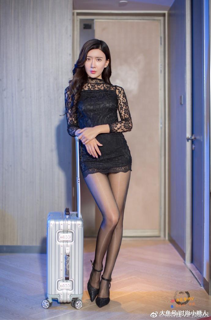 性感丝袜,蕾丝连衣裙、丝袜、高跟搭配,别有一番风味的美!