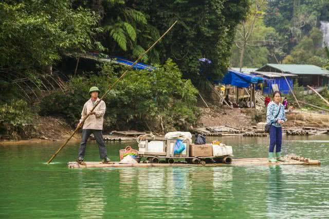 那个在亚洲排名第一并且齐球排名第四的跨国瀑布, 被称人世仙境!