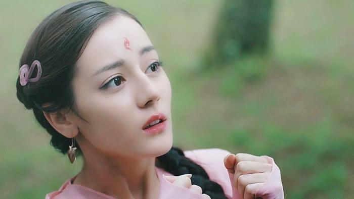 """演""""妖精""""却自带仙气: 热巴可爱, 陈瑶灵秀, 而她不食人间烟火"""