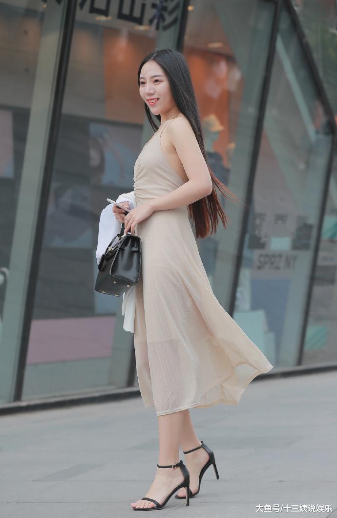 网红主播中像她这样气质优雅,穿搭大方得体的也比较少见吧