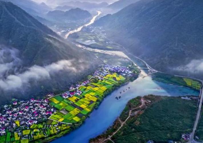 陕西正在修建一条百亿高速,全长约130公里,这2大城市成为受益者