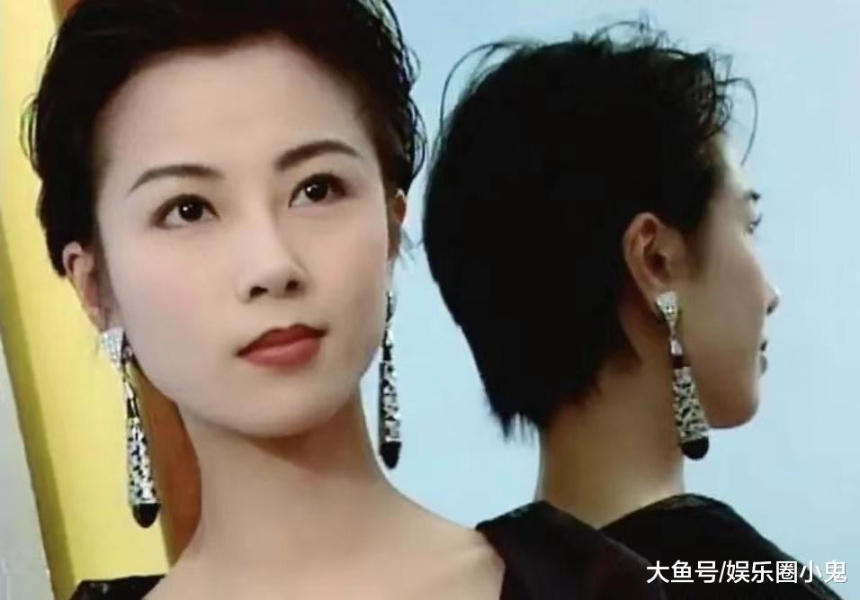 谁年轻时不是个美女呢!梁小冰惊艳,蔡少芬典雅,她是仙女本仙