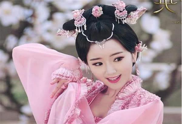 """古装""""一舞倾城""""的美人:热巴垫底,刘诗诗第2,第一美到窒息!"""