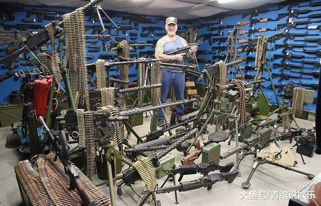 他坐拥86辆军车260挺机枪, 是齐好最年夜私家武拆, 却救不了妻子