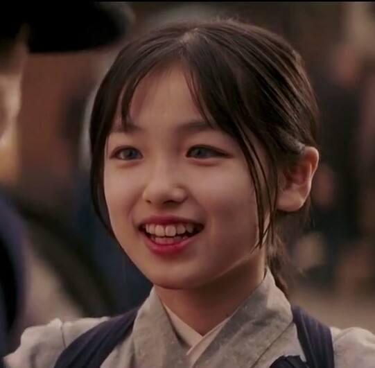 杨紫杨幂逆袭成一线明星,文根英像换了一个人,10名童星的境遇大不同!