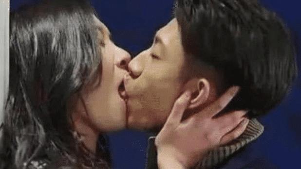 张一山跟34岁她拍吻戏,因太入戏伸出舌头,网友:又学会一招儿