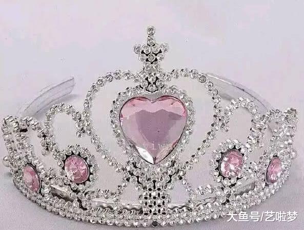 若您死日宴会,您最念戴上哪个皇冠?测您上辈子是正室照样小妾