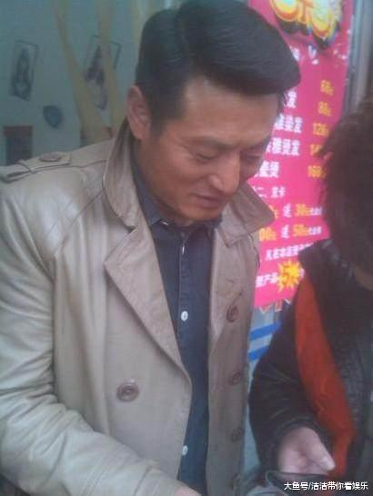 赵薇最对不住的汉子,赵薇一句话毁了出息,嫁了吴京最爱的女子?