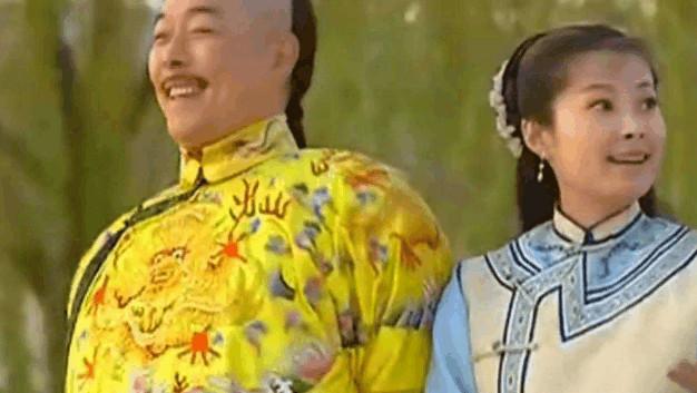 乾隆皇帝晚年最宠爱的女人, 与乾隆相差三十六岁, 所生女儿深得皇上喜爱