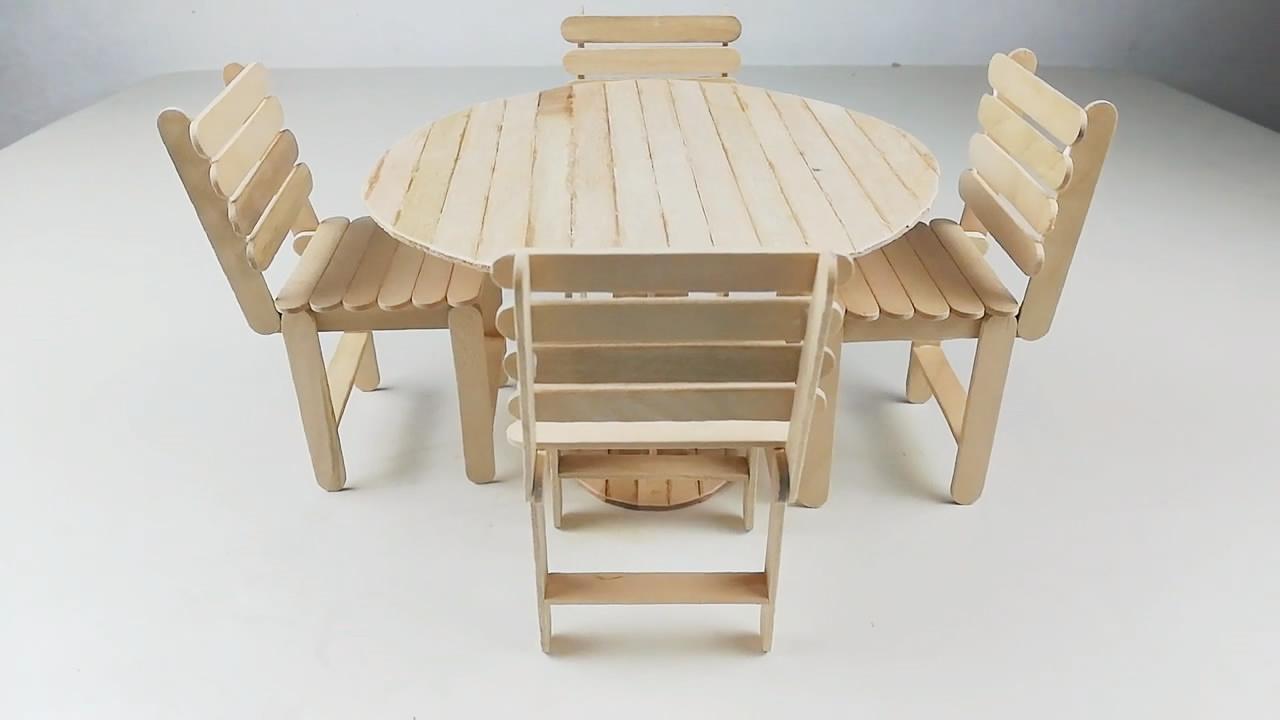 今天为大家分享如何用雪糕棍制作迷你圆桌和椅子的方法,步骤详细,手工