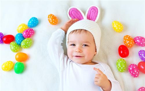 如何让宝宝最先熟悉颜色,宝妈能够如许做!