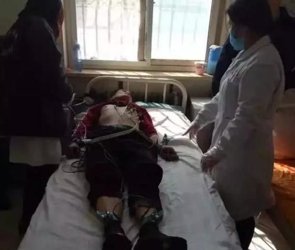 男子精神病病发手拿砍柴刀 邯郸临漳民警成功制服!