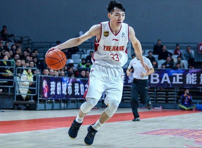 CBA第13周最佳球员 吴前首次当选亚当斯5获殊荣