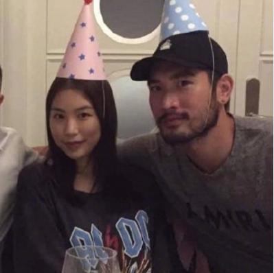 高以翔去世8天,22岁女友接受采访:人生目标是与以翔组建家庭!