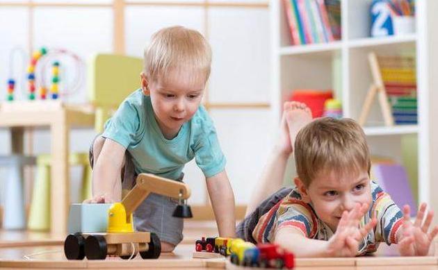 高智商的孩子, 小时刻便有那些特征, 越是扎在人堆里越显着