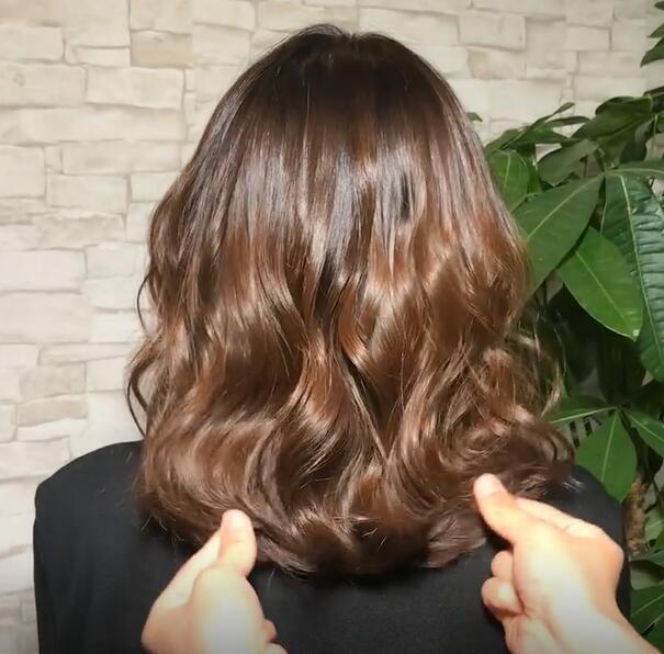 2019精选发型: 女人40头发齐肩, 锁骨烫迷人小5岁, 只图片