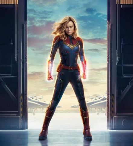 """《惊奇队长》女主角被嘲""""惊奇大妈"""",蜘蛛侠的臀都比她翘"""