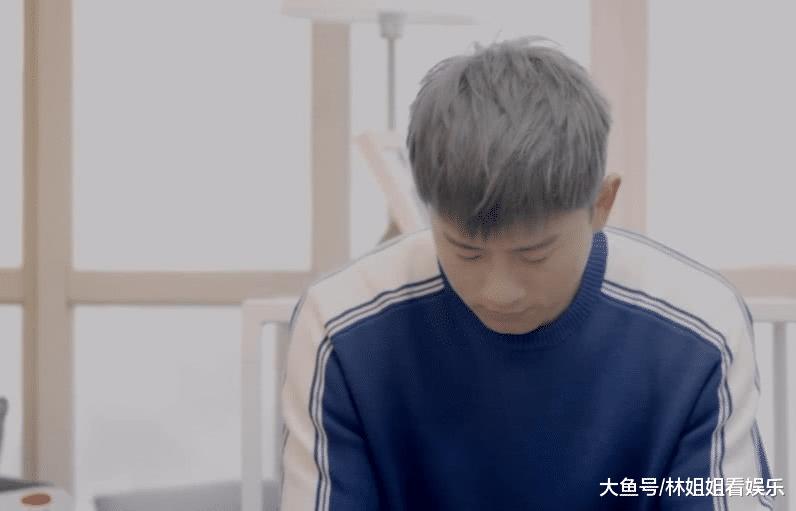 张杰终究是上了年龄,扭了下脸有谁注意到他脖子?愿时光善待你!