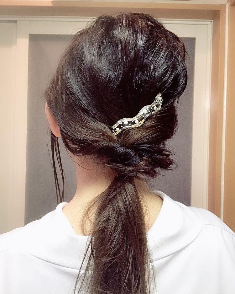 头发总是治糟糟,教教如许去编发,您也能够雍容华贵