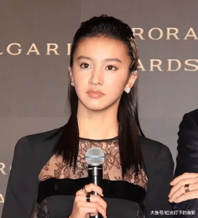 木村拓哉女儿现身台湾,16岁的她,天然应对媒体超有气场