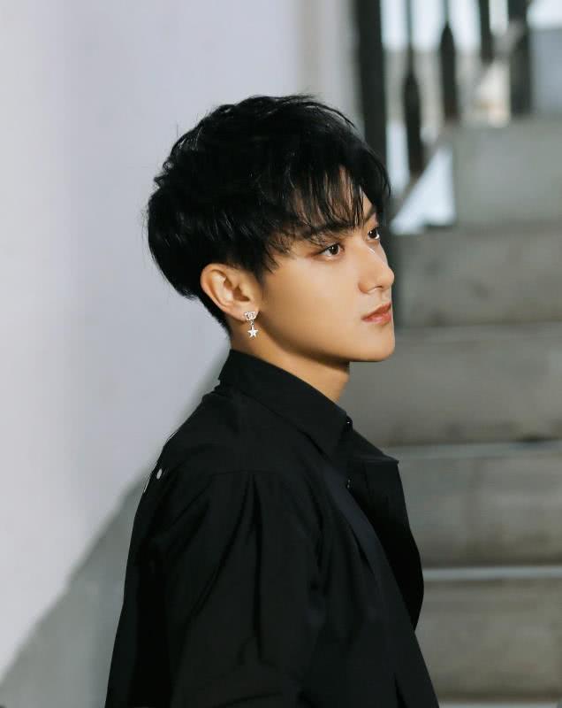 日媒评选最念嫁的男明星,李易峰垫底,胡歌第二,第一居然是他?