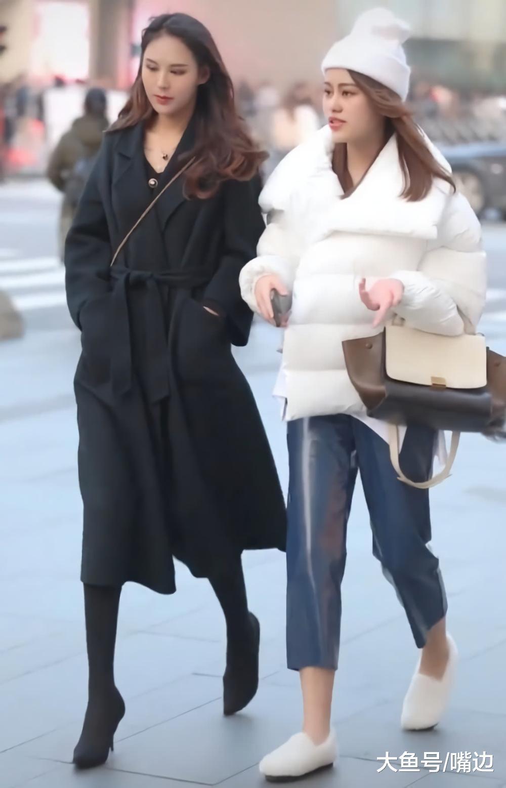 冬季棉服怎么搭最时髦?像小姐姐一样裤子穿亮亮的最抢镜,喜欢!