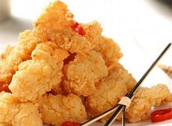 香脆鸡米花心感酥脆孩子最爱,为您供应的做法步调图,让您沉紧做出香脆鸡米花