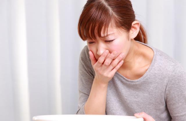 幽门螺杆菌缠上胃, 身体味泛起4个症状, 做3件事实时疗养!