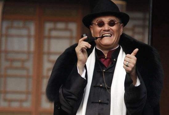 61岁赵本山齐家照曝光,女儿长得比妈妈还好,儿子长相易以描述