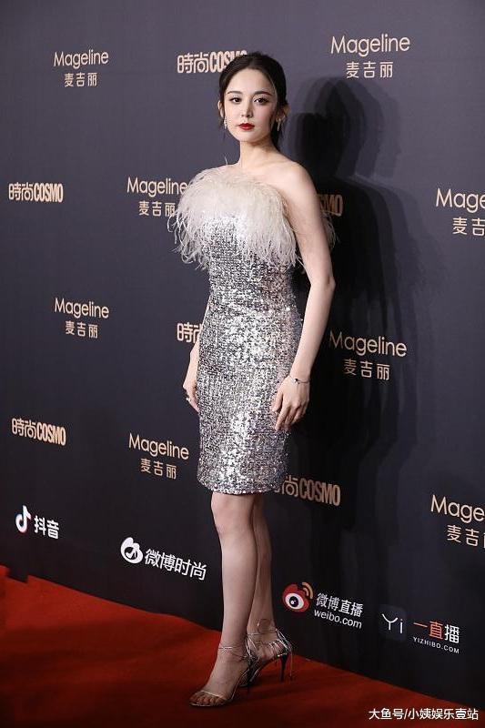 娱乐圈又一大红毯晚会:用了半个娱乐圈女星当引子,只为请出自带诱惑的她