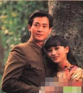 赵雅芝年轻时初恋情人曝光,是大家认识的他