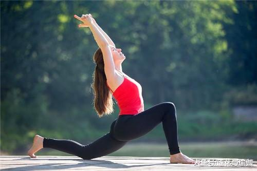 瑜伽核心力量练习:将阳刚与阴柔完美结合,姿态优雅,美轮美奂!