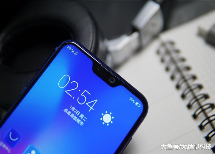 史上最惨的手机,发布一个月依然0销量,网友看清配置后:活该!