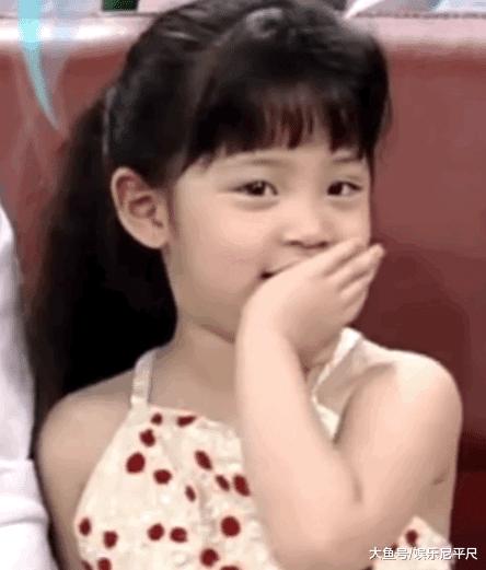 """欧阳娜娜光着脑门心爱? 剪完空气刘海, 才晓得什么是""""萌神"""""""