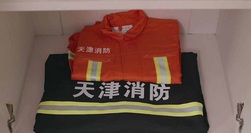 天津爆炸案幸存消防员:我苟且偷生,是不想他们被遗忘