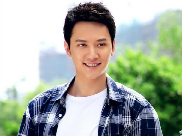 冯绍峰提到老婆什么时候会复出拍戏的事,并透露婆媳关系。