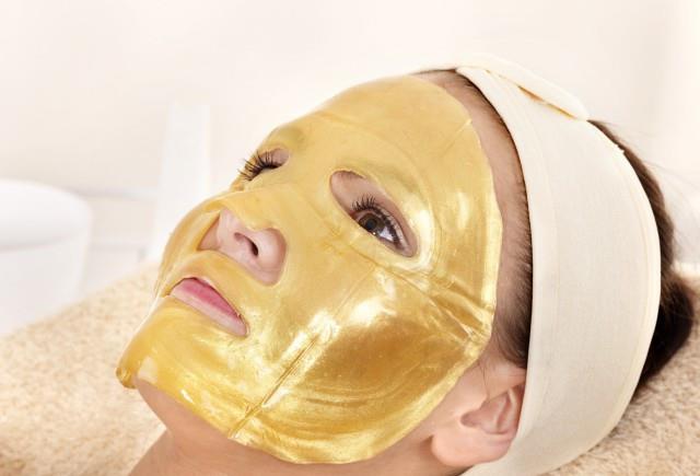 脸上长斑很难看,巧用蜂蜜加它祛祛色斑,用过的人都说好