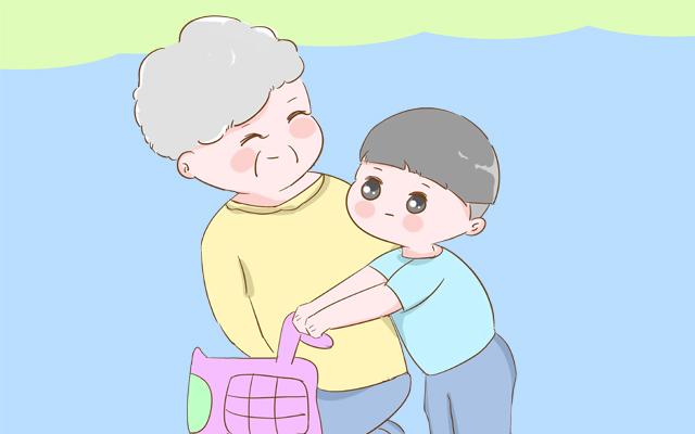 老人眼中的孙子和外孙,差别有多大?这些回答太过现实了