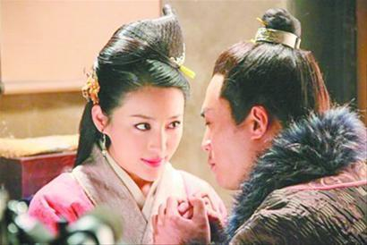 火浒传:武紧是正人正人,那为安在杀了潘金莲后还拨开她的衣服?