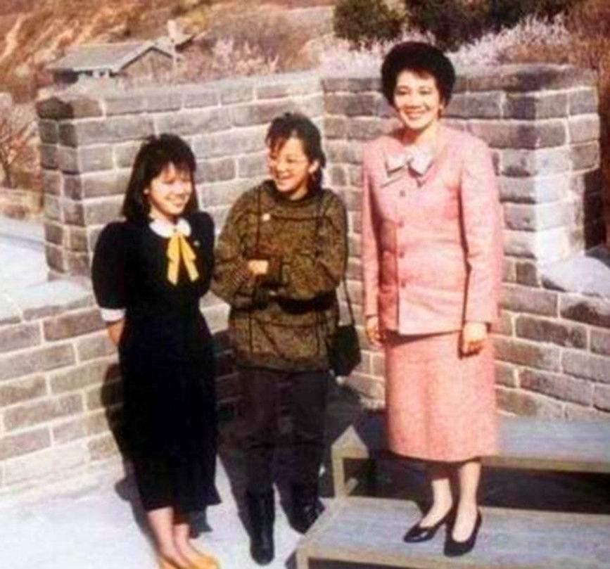 亚洲尾位女性总统,上任后回中国觅根,初末出记本身有中国血缘!